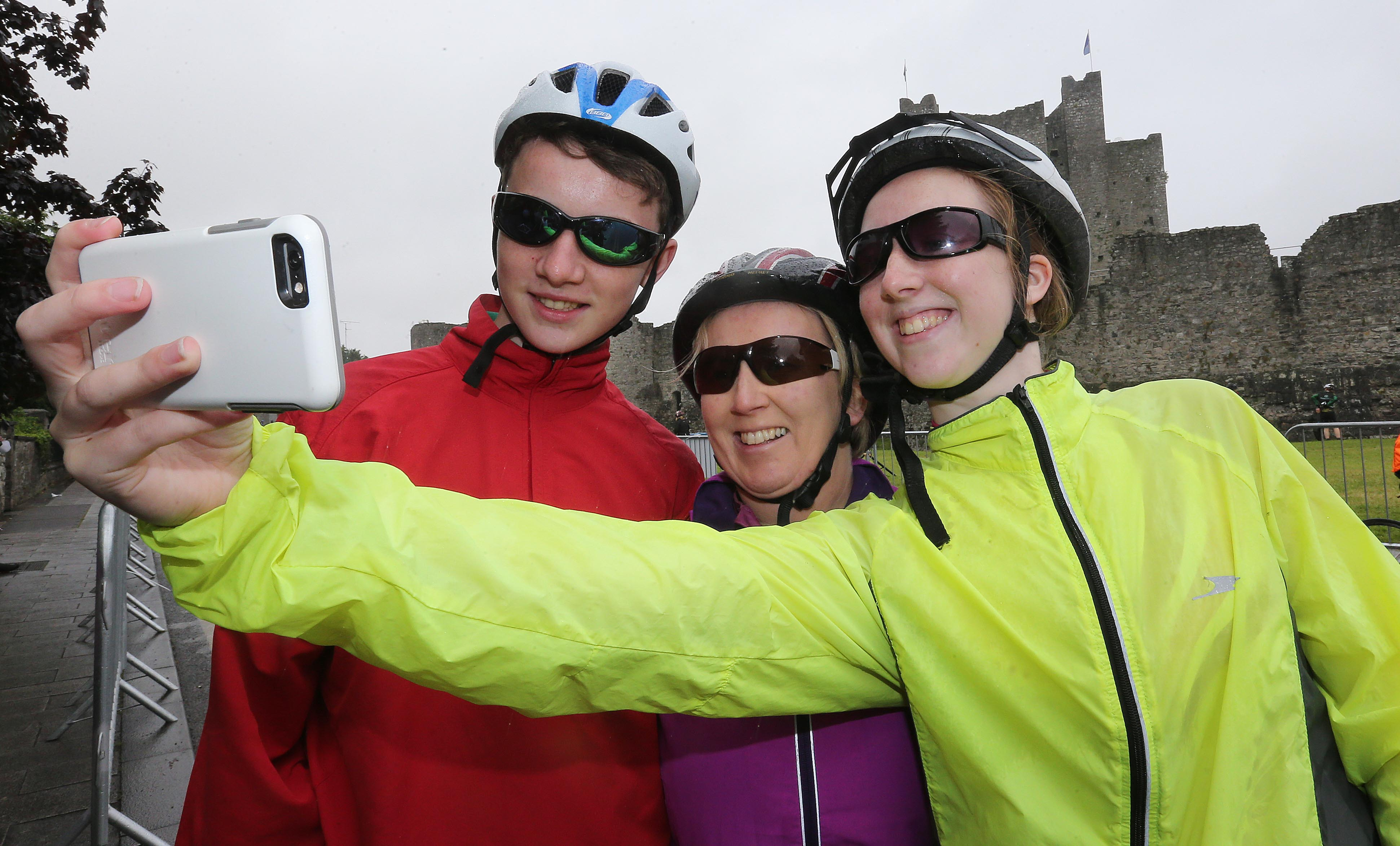 PRESS RELEASE..NO REPRODUCTION FEE…..  An Post Meath Heritage Cycle 24/7/2016 The Flynn family from Enfield at the start in Trim Pic Lorraine O'Sullivan  PRESS RELEASE..NO REPRODUCTION FEE…..