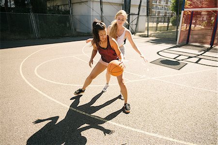This image has an empty alt attribute; its file name is Basketball-women-2.jpg